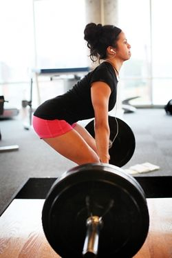 Girl_deadlift